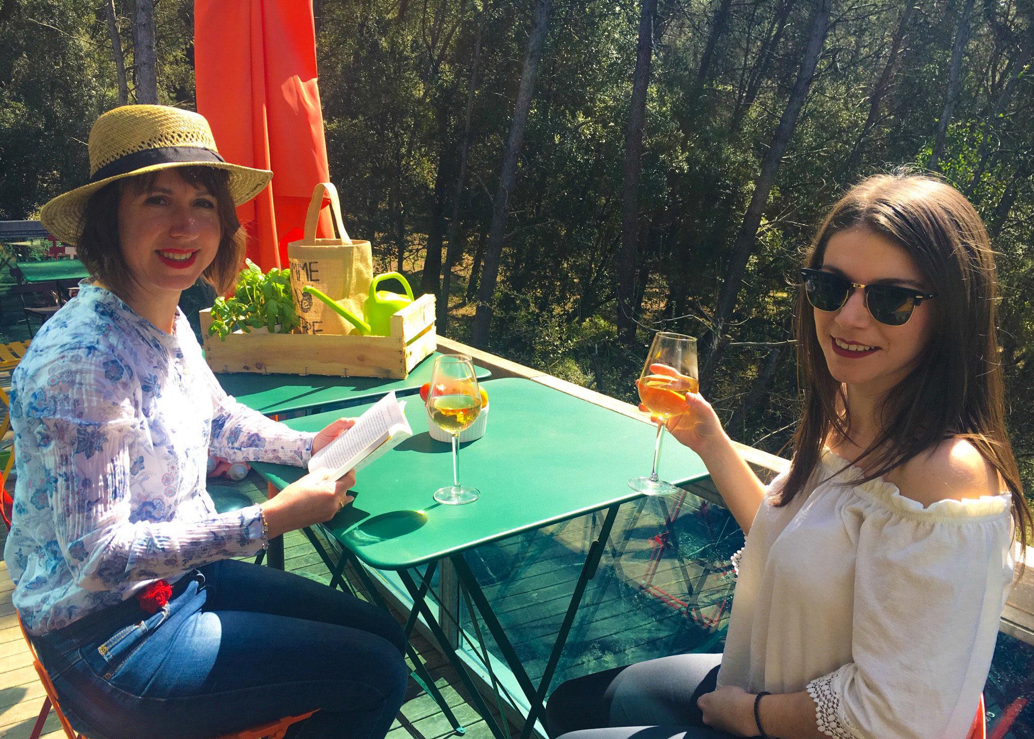 Célia et Magali au soleil