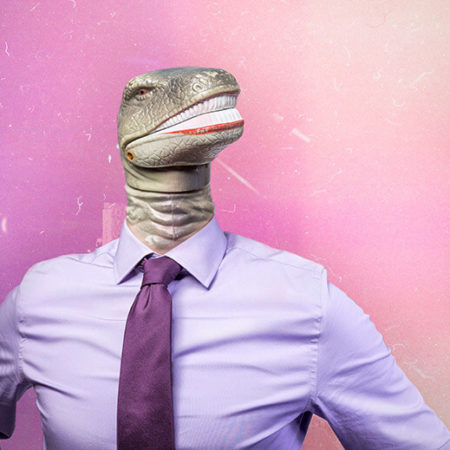 Homme tête de dinosaure