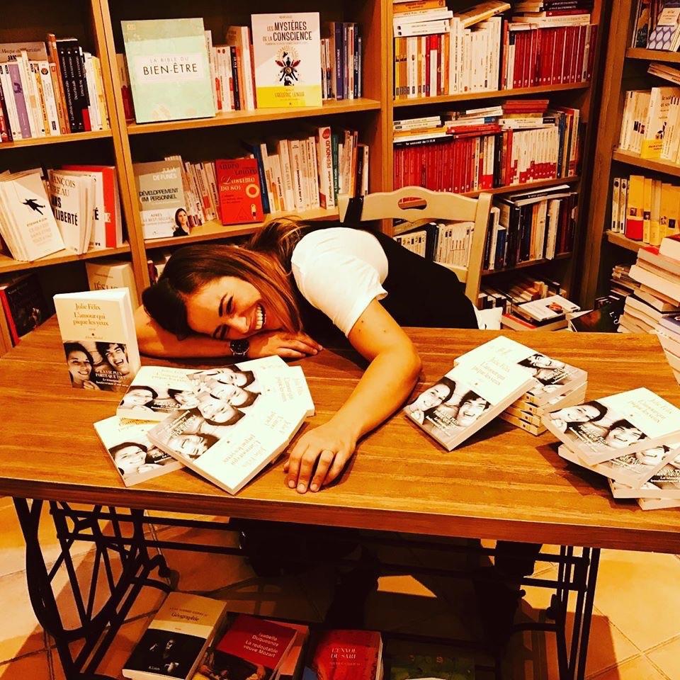 Julie - Signature livre